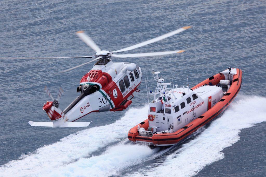 Guardia Costiera di Gaeta, impegnata nelle ricerche di un disperso in mare