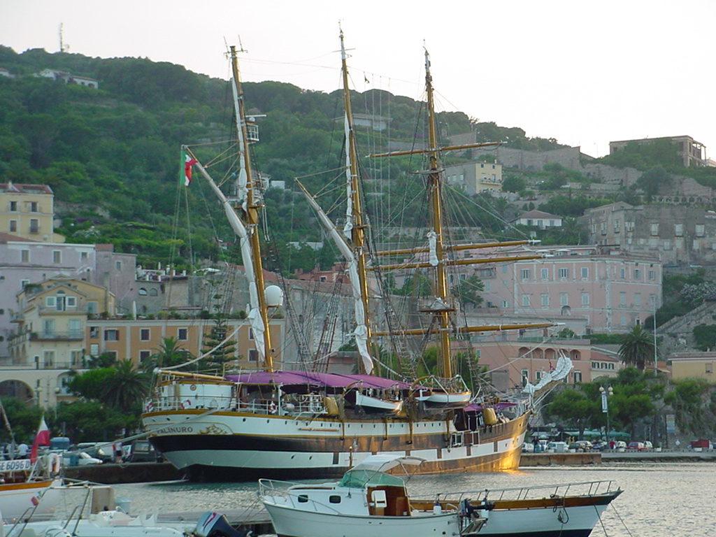 Gaeta La Nave Scuola Palinuro approderà il 06 luglio Orari visite a bordo