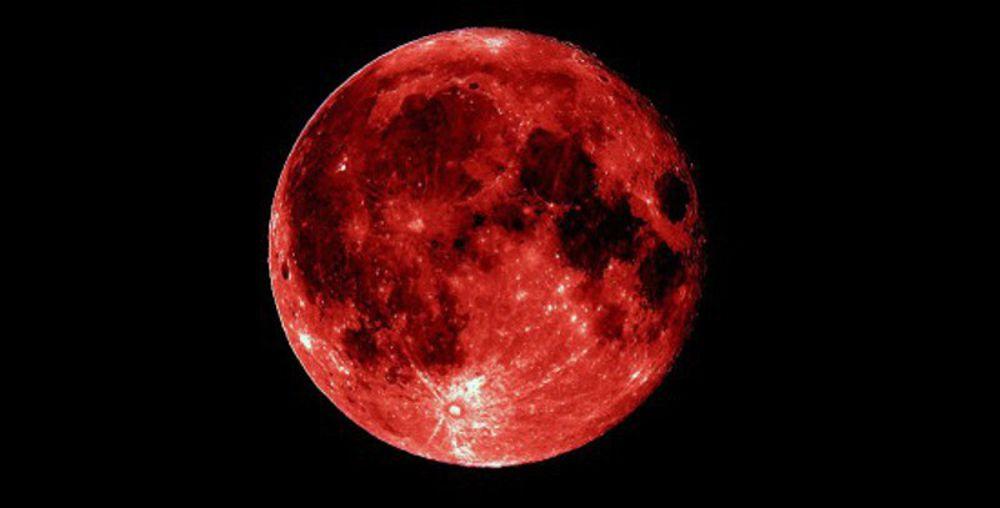 Gaeta un'eclissi da record: Luna rossa in scena il 27 luglio